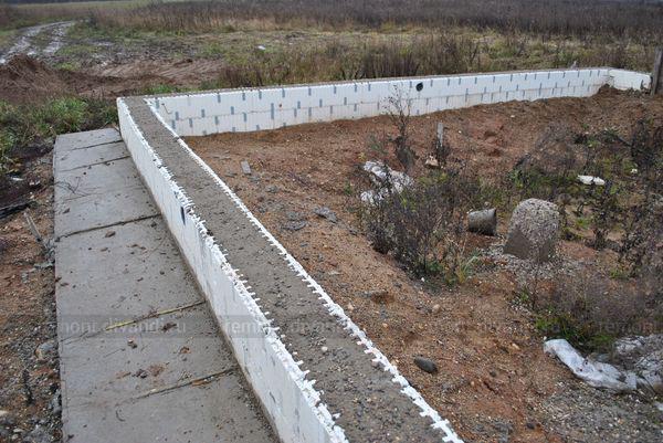 Строительство фундамента под ключ в Екатеринбурге. Цены на ленточный фундамент, фундамент на винтовых сваях. - 68 бригад и фирм
